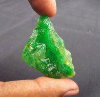 אבן חן:אבן חן: אמרלד גלם לליטוש קולומביה 108.70 קרט