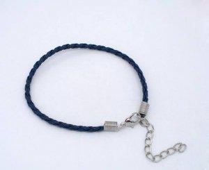 תכשיטנות: חישוק כחול כהה לצמיד
