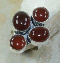 טבעת משובצת 4 אבני קרנליאן כסף 925 מידה: 7.75