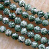 """תכשיטנות: שרשרת מאבני ג'ספר ירוק לבן 8 מ""""מ"""