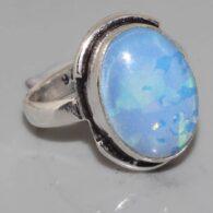 טבעת בשיבוץ אבן אופל כחלחל כסף 925