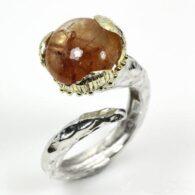 טבעת בשיבוץ רוטילייד קוורץ עבודת יד כסף וציפוי זהב