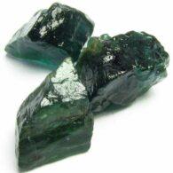 אבן חן: 3 אפטייט ירוק גלם לליטוש (מדגסקר) 9.44 קרט