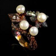 טבעת בשיבוץ פנינים לבנות עבודת יד כסף ומולטי טון גולד