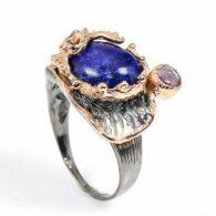 טבעת עבודת יד כסף 925 ציפוי זהב ורודיום שחור בשיבוץ אבני לאפיס ואמטיסט (אפריקה) מידה: 10.25 הטבעת: 56.5 קרט