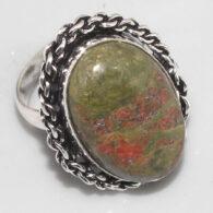 טבעת בשיבוץ אבן יוניקיט כסף 925 מידה 8