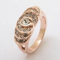 טבעת גולדפילד 18 קרט זהב אדום בשיבוץ קריסטלים מידה: 7