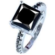 טבעת כסף 925 בשיבוץ מואסנייט 3.73 קרט מידה: 7