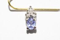 תליון זהב לבן 10 קרט בשיבוץ טנזנייט כחול סגול