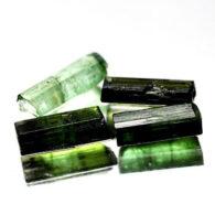 טורמלין ירוק גלם לליטוש ושיבוץ 4 יחידות 5.50 קרט