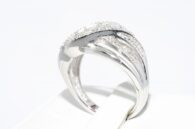 טבעת כסף בשיבוץ 3 יהלומים מלוטשים מידה: 7