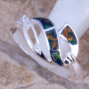 טבעת בשיבוץ אופל אדום כסף 925