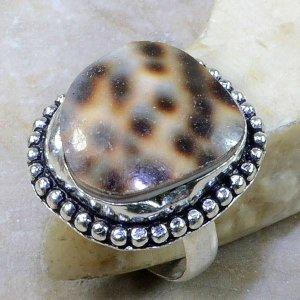 טבעת בשיבוץ צדף כסף 925 מידה: 8.5