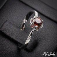טבעת משובצת גרנט כסף 925