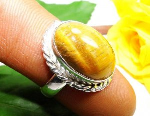 טבעת משובצת טייגר אי זהב כסף 925 מידה: 8.5