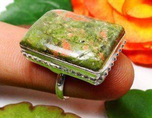 טבעת משובצת יוניקיט כסף 925 מידה: 7