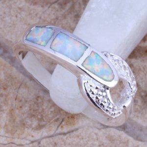 טבעת משובצת אופל חלבי כסף 925