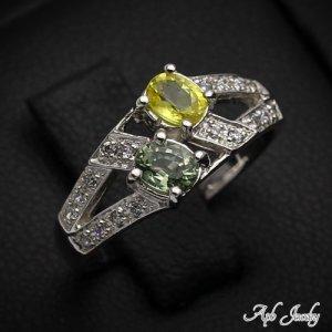 טבעת משובצת ספיר ירוק צהוב כסף 925
