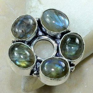 טבעת משובצת 5 אבני לברדורייט כסף 925 מידה: 7.5