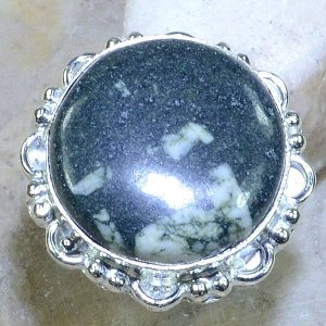 טבעת משובצת ג'ספר ירוק מנומר כסף 925 מידה: 7.25