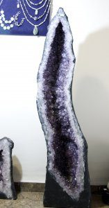 מערת אמטיסט ענק מיוחדת ויפהפיה איכות מושלמת