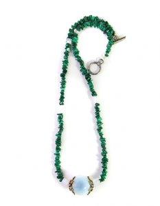 שרשרת אגת ירוק צ'יפס אבן מרכזית אופלית סוגר מוכסף