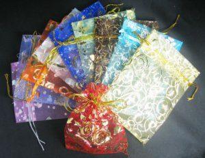 תכשיטנות: 10 שקיקי אורגנזה בצבעים