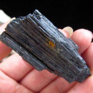טורמלין שחור גלם משקל: 50 גרם