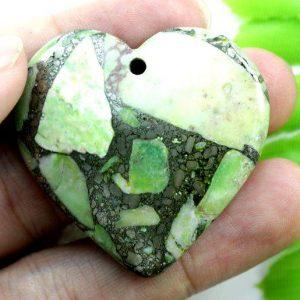 תליון ג'ספר ירוק מעורב בפיריט