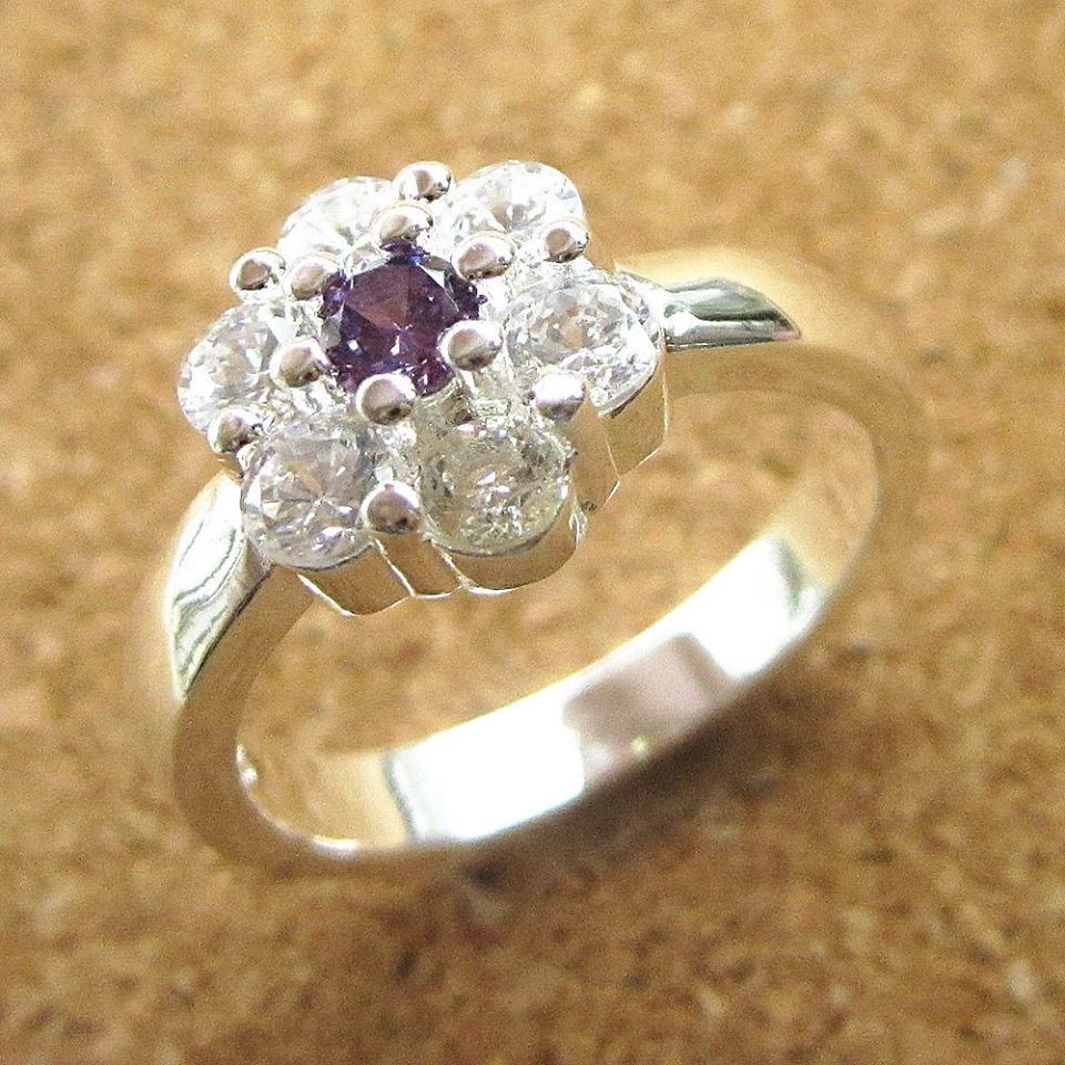 טבעת משובצת אמטיסט וזירקונים כסף 925 מידה 8