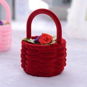תכשיטנות: קופסת אריזה מהודרת לטבעת או לעגילים עיצוב סלסלה צבע אדום