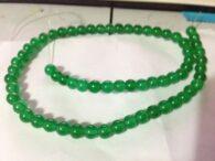 """תכשיטנות: שרשרת מאבני ג'ייד ירוק 4 מ""""מ"""