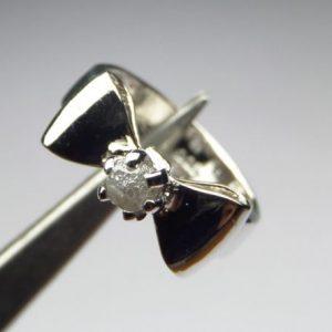 טבעת בשיבוץ יהלום גלם כסף 925