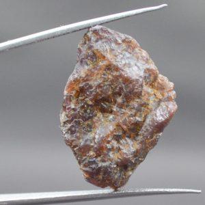 אבן חן:גרנט גלם לליטוש (מדגסקר) 42.75 קרט