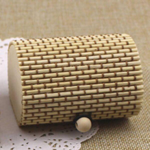 תכשיטנות: קופסת אריזה מהודרת לסט תכשיטים גוון קפה ושמנת