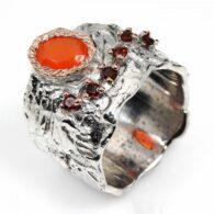 טבעת בשיבוץ קרנליאן וגרנט עבודת יד כסף וציפוי זהב