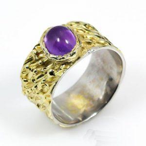 טבעת בשיבוץ אבן אמטיסט עבודת יד כסף וציפוי זהב
