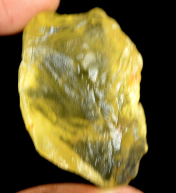 אבן חן: טופז צהוב גלם (ברזיל) לליטוש 135 קרט