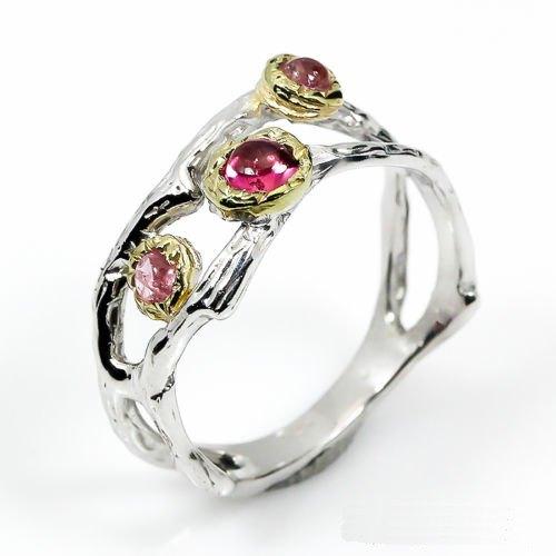 טבעת בשיבוץ 3 אבני רובי עבודת יד כסף וציפוי זהב