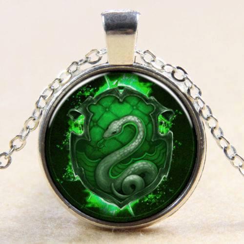 תליון ושרשרת מוכסף סמל הנחש גווני ירוק