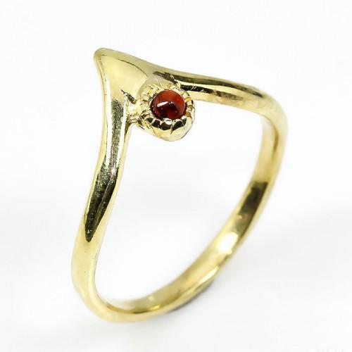טבעת עבודת יד כסף 925 וציפוי זהב בשיבוץ אבן גרנט (אפריקה) מידה: 7.5 הטבעת :10 קרט