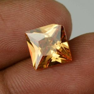 אבן חן: זירקון טבעי מלוטש צהוב (קמבודיה) 5.20 קרט