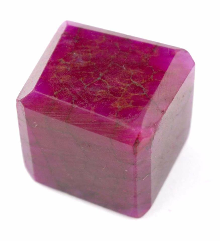 אבן חן: רובי מלוטש קובייה (אפריקה) 113 קרט