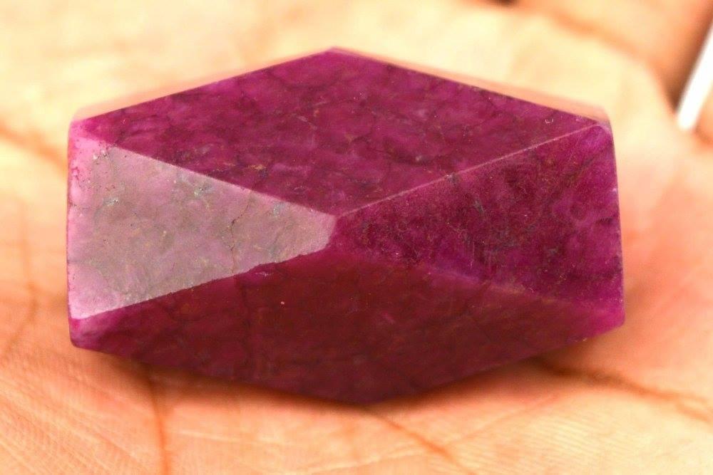 אבן חן: רובי מלוטש לשיבוץ (אפריקה) 185 קרט