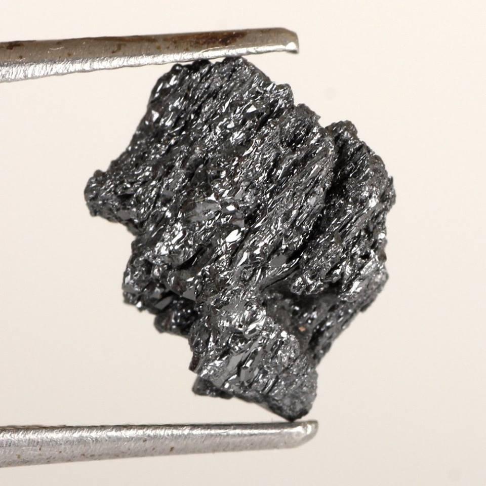 אבן חן: יהלום שחור גלם 3.28 קרט מכרה: דרום אפריקה