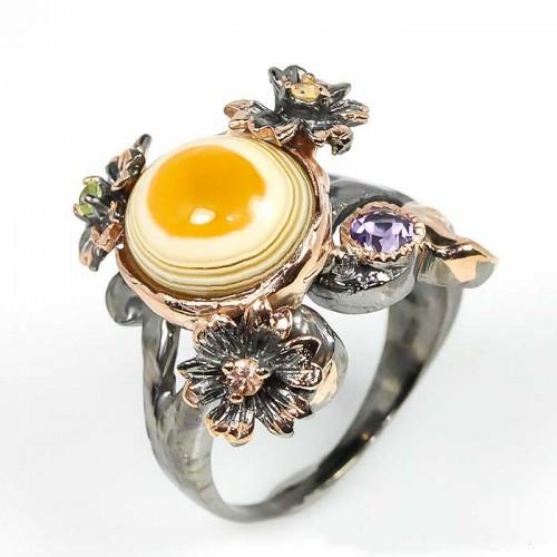 טבעת עבודת יד כסף 925 ציפוי זהב ורודיום שחור בשיבוץ אבני אגט , אמטיסט וספיר (אפריקה) מידה: 9.25 הטבעת: 49.95 קרט