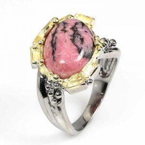 טבעת בשיבוץ רודונייט עבודת יד כסף ציפוי זהב ורודיום שחור
