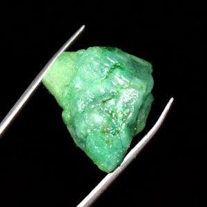 """אבן חן: אמרלד גלם לליטוש (קולומביה) תעודה 35.95 קרט מידות: 15*20*21 מ""""מ"""