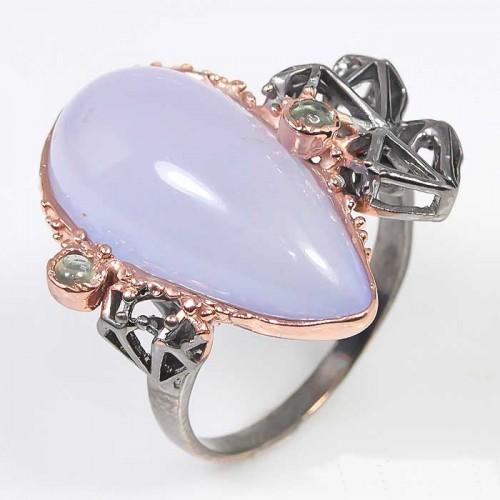 תכשיט יוקרה: טבעת עבודת יד כסף 925 ציפוי בהב ורודיום שחור בשיבוץ אבני קלצדוני וספיר (אפריקה) מידה: 8.75 הטבעת: 41.9 קרט