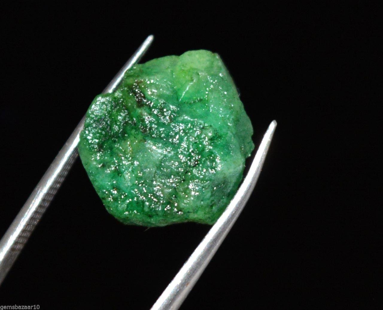 """אבן חן: אמרלד גלם לליטוש (קולומביה) תעודה 16.85 קרט מידות: 12*14*15 מ""""מ"""